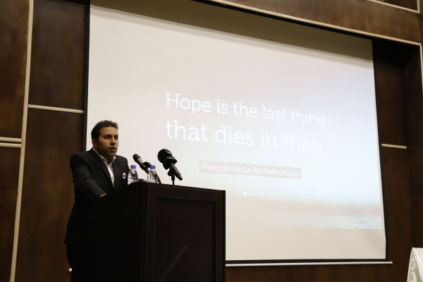 دکتر سیدفرشید چینی – رئیس مرکز نانومهندسی سطح دانشگاه تهران و مدیرعامل شرکت دانشبنیان ژیکان